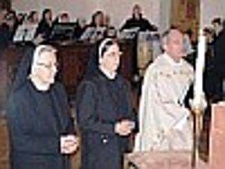Erstprofess von Sr. Regina-Maria in der Dillinger Klosterkirche