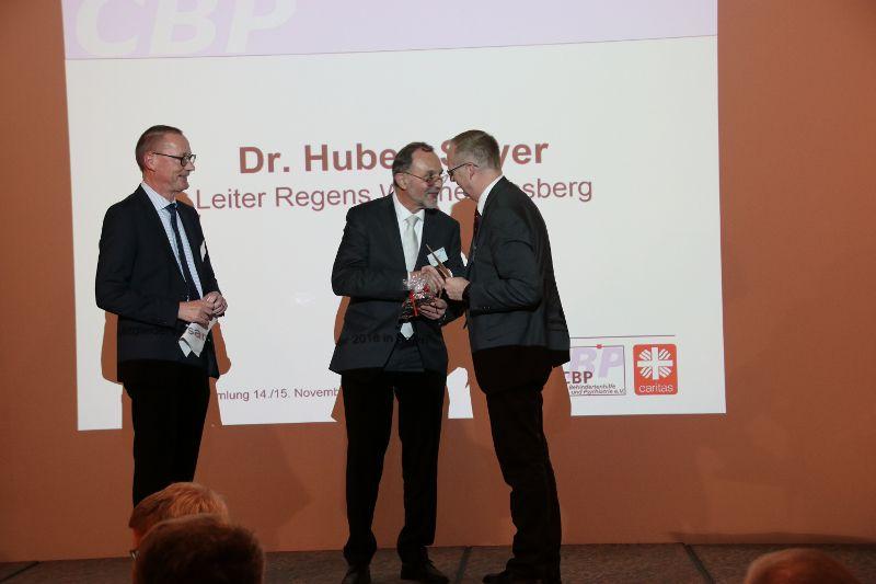 Caritas-Auszeichnung für Dr. Hubert Soyer